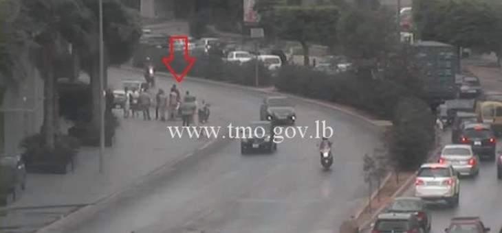 جريح نتيجة تصادم بين سيارة ودراجة نارية قبل جسر الفيات باتجاه العدلية