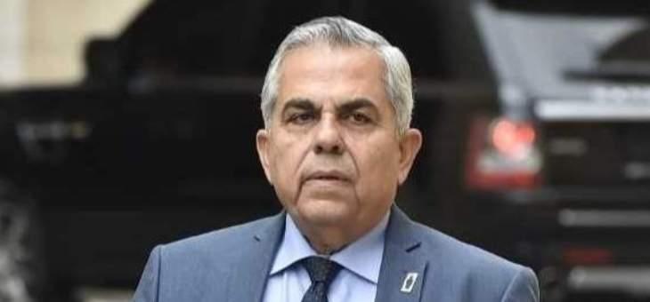 ديب: الحريري يماطل حتى  يعود رئيسا للحكومة ومعه رضى الشارع