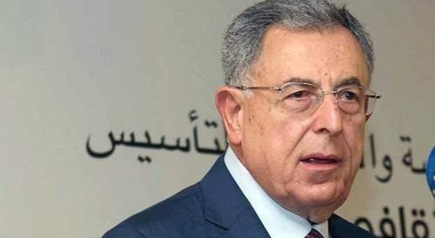 السنيورة: الحريري يريد أن يصل لتوافق بشأن تشكيل حكومة جديدة قبل استقالة الحالية