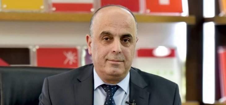 أبو فيصل: للإفراج عن أموال الصناعيين وودائعهم والتوقف عن حجب الإعتمادات المطلوبة للصناعة