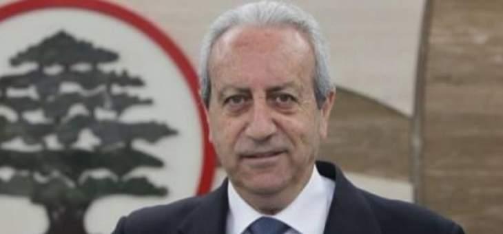 """وهبة قاطيشة لـ""""النشرة"""": وزير العمل لن يتراجع عن تنفيذ القانون ومحور الممانعة يقف وراء التحركات الفلسطينيّة"""