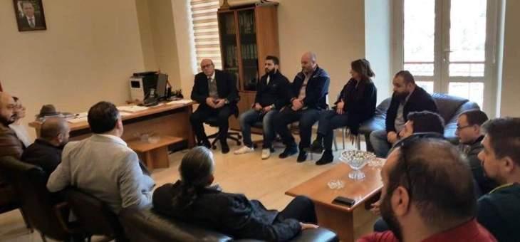 أصحاب المطاعم والحانات والمقاهي في بلدية زحلة للمطالبة بإعفاءات ضريبية