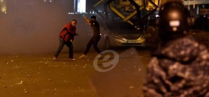 الدفاع المدني بوسط بيروت ينقل احد عناصر الامن الداخلي الى المستشفى