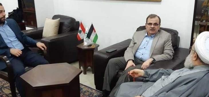 ماهر حمود يجري عدة اتصالات بقيادات فلسطينية لمتابعة أوضاع عين الحلوة