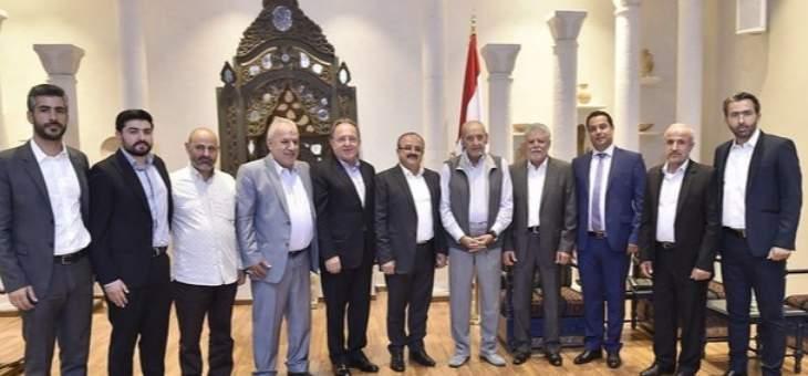 بري استقبل عائلة المغترب حسن جابر ورئيس الجالية اللبنانية في الغابون