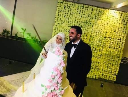 الزميل محمد علوش ونور العين حمزة يدخلان القفص الذهبي