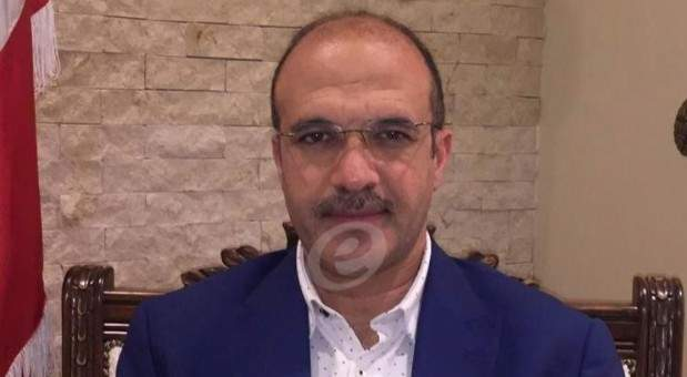 النشرة: وزير الصحة قرر توزيع مليون كمامة على البلديات بدءا من الأربعاء