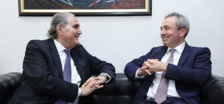 السفير البريطاني في لبنان: مرتاح لعقد الاجتماع المالي في بعبدا