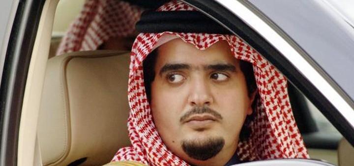 مجتهد الأمير عبد العزيز بن فهد في معتقله في أحد القصور في حالة عقلية سيئة