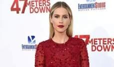 تعرفي على هذا الفستان الأحمر الجميل من Monique Lhuillier