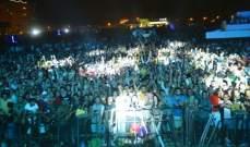 خاص بالصور- انتهاء الإستعدادات لحفل عمرو دياب والجمهور ينتظر
