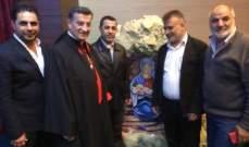 ملتقى الألوان الفني يشارك برسم لوحة في حفل ميلادي في بكركي