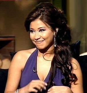 """شيرين غير واثقة من التجديد مع روتانا..و""""تامر حسني جلس يلعب مع البنات"""""""