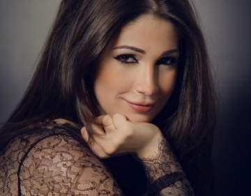بعد الهجوم الكبير..ديما صادق توضح حقيقة تخليها عن الجنسية اللبنانية