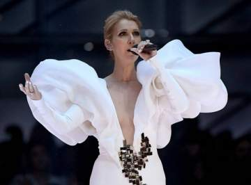 """سيلين ديون تخطفُ الأنفاس على مسرح الـ """" Billboard"""""""