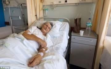 المستشفيات تزيد حال كبار السن سوءا