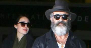 ميل غيبسون يصل إلى لوس أنجلوس..وحبيبته تغطي قوام حملها