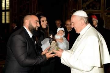 ريما فقيه وزوجها وسيم صليبي يزوران البابا فرنسيس