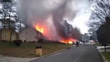 طائرة تصطدم بمنزل في الولايات المتحدة الأميركية..بالفيديو