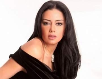 رانيا يوسف تتألّق بإطلالة ملكيّة