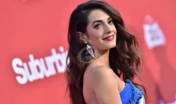 أمل كلوني لبنانية قدوة لكل نساء العالم وأيقونة في الموضة.. وحققت المستحيل مع جورج كلوني