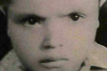 هل عرفتم من هو هذا الطفل الذي أصبح اليوم نجماً من نجوم مصر؟