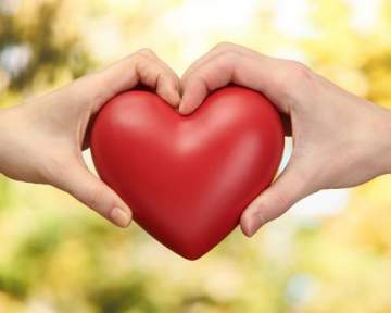 أمراض القلب تهدد النساء أكثر من الرجال
