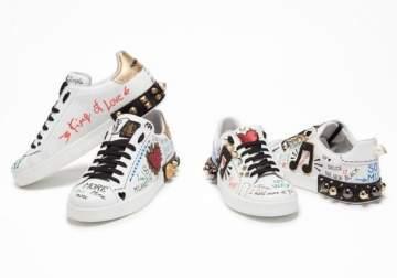 حذاء دولتشي أند غابانا يواجه موجة من الإنتقادات