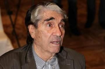 خاص الفن: أبو سليم يفجّر غضبه على المحطات التلفزيونية ويوجه رسالة الى الجيل الجديد!