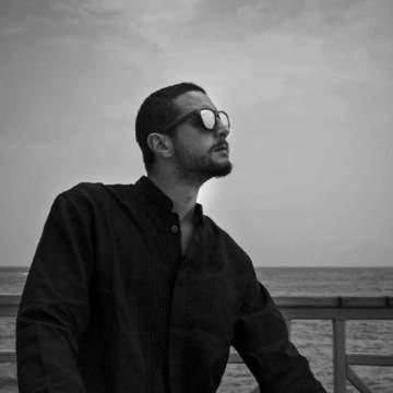 أحمد الفيشاوي يتعرض للضرب المبرح بسبب ممثلة