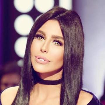 بعد إعتناقها الإسلام.. ليلى إسكندر ترد بعنف على مهاجميها..بالفيديو