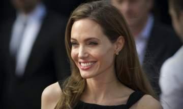 والدة طفلة أنجلينا جولي الحقيقية تخرج عن صمتها