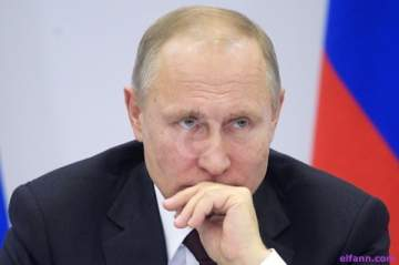 فلاديمير بوتين يغطس عاري الصدر في بحيرة متجمدة  -بالفيديو