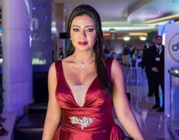 رانيا يوسف تتعرض لموقف محرج وتغادر حفل DMC
