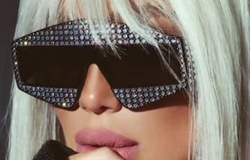نظارات مايا دياب بين العصرية والغرابة .. بالصور