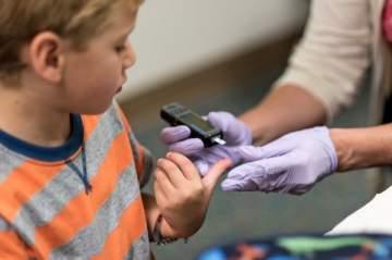 السكري عند الأطفال أسبابه وطرق علاجه
