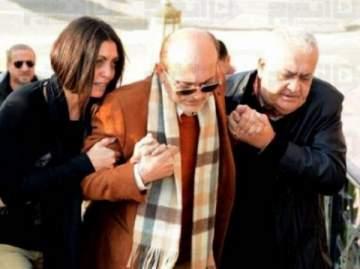 بالصور: هكذا أبكى محمد صبحي الناس في وداع زوجته