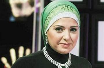 صابرين تتقبل التعازي بوفاة والدها -بالصور