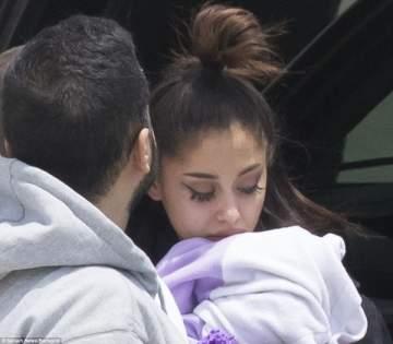 الصور الأولى لأريانا غراندي بعد التفجير الإرهابي في حفلها