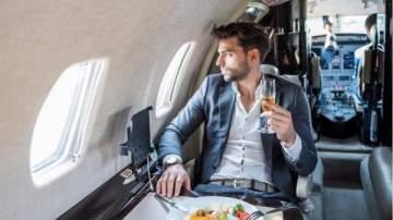 مسافر يستخدم حيلة عالمية منحته 300 وجبة مجانية لمدة عام!