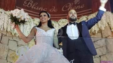 خاص بالصور - وصول بريجيت ياغي وزوجها رامي العقل الى حفل زفافهما!