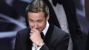 راين غوسلينغ يكشف عن سبب ضحكته التي أثارت الجدل في الأوسكار
