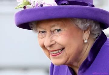 من تفضل الملكة اليزابيت : كيت ميدلتون أو ميغان ماركل
