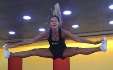 كارلا حداد تظهر لياقتها البدنية.. بالصورة