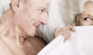 لكبار السن: أكثروا من التقبيل والمداعبات والجنس الفموي