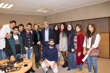 الإعلامي جمال فيّاض يحاضر حول النقد الفني البنّاء مع طلاب الإعلام