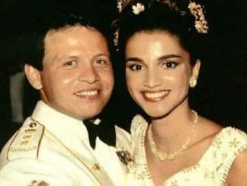 هل شاهدتم زفاف الملك عبد الله والملكة رانيا؟؟ قالب الحلوى عملاق وفستانها أذهل الحاضرين- بالصور