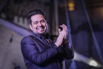 حاتم العراقي يلتقي بجمهوره في دبي ويقدم باقة من أجمل أغنياته..بالصور