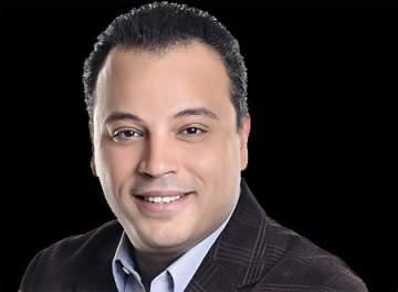 تامر عبد المنعم يصاب بالتسمم
