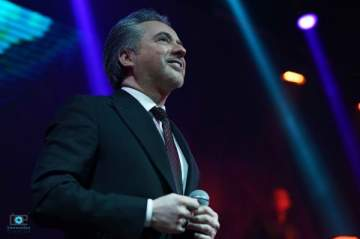 مروان خوري ينثر الرومانسية في حفلين رائعين للعشاق